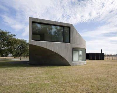 Minimalismo amalgama for Casa minimalista argentina