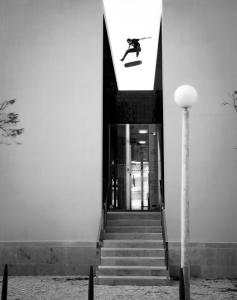 5_flip_over_portuguese_bank